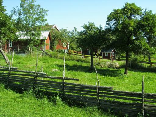 Drewniany, szwedzki płot