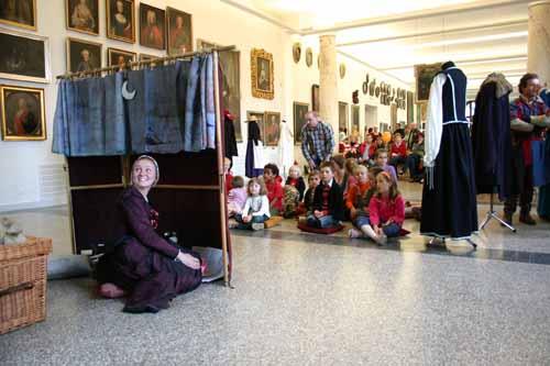 teatrzyk kukiełkowy w muzeum