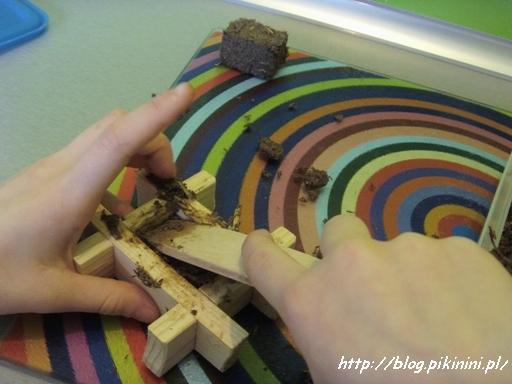 Wyrób glinianych cegiełek