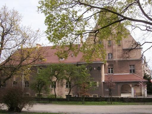 Szkoła przy ulicy Różanej