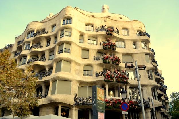 33 balkony Casa Mila